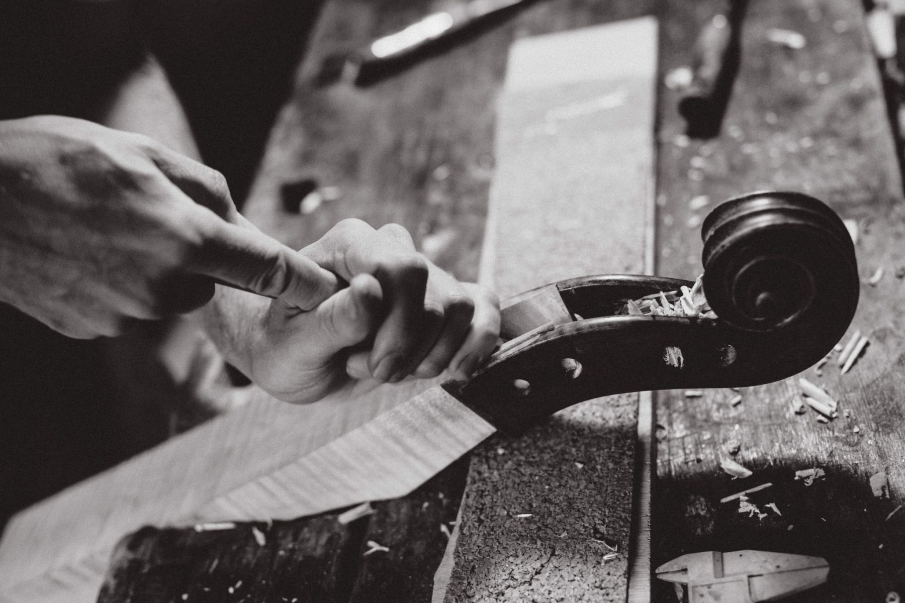 détail fabrication d'un violon